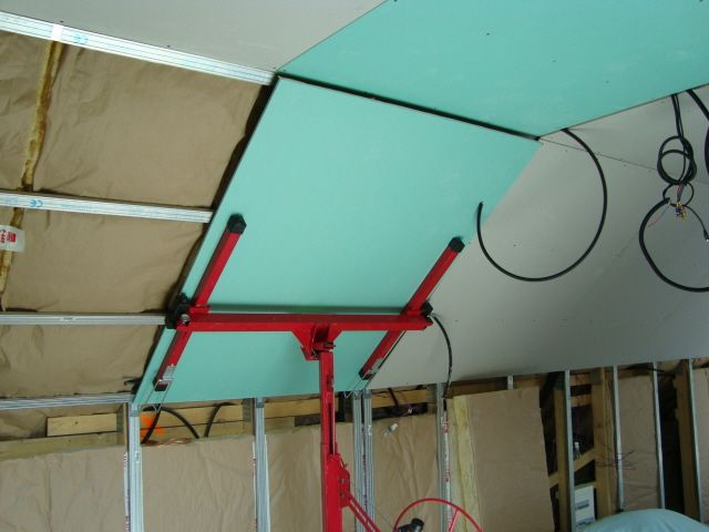boucher trappe comble beauvais issy les moulineaux venissieux tarif artisan peintre. Black Bedroom Furniture Sets. Home Design Ideas